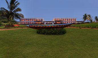 Hotel Mayfair Plambeach Resort