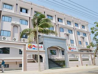 Hotel Nayak Beach Resort